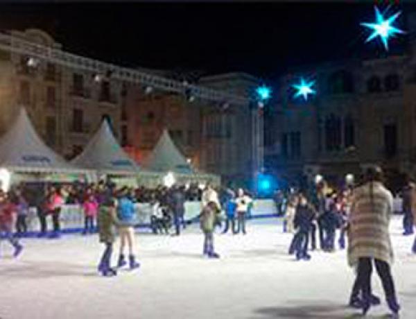 Pista de hielo en la Plaza Mercadal del 27 de noviembre al 10 de enero